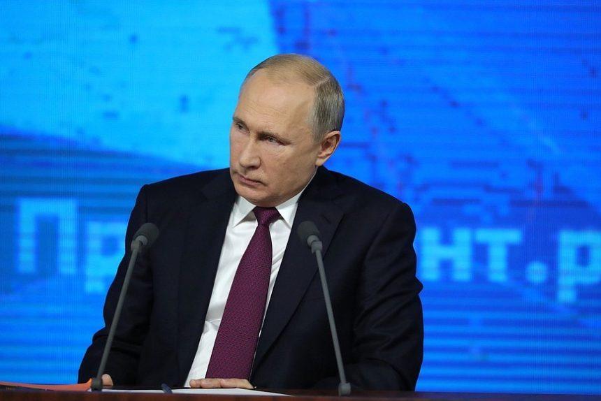 Путин допустил возвращение системы распределения выпускников вузов