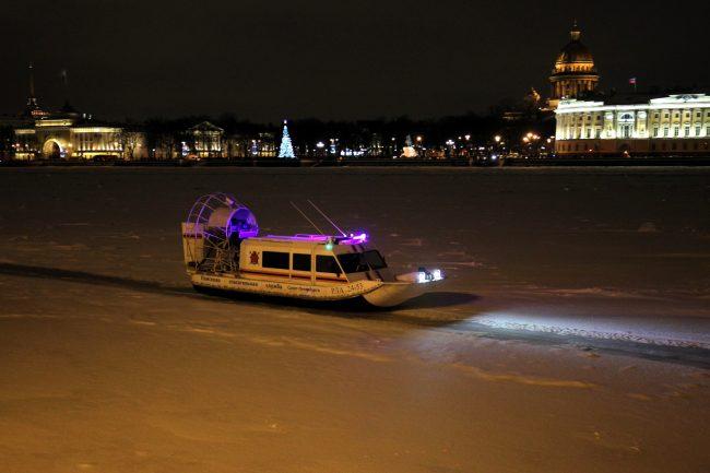 новый год 2019 новогодние праздники спасательный катер на воздушной подушке спасатели
