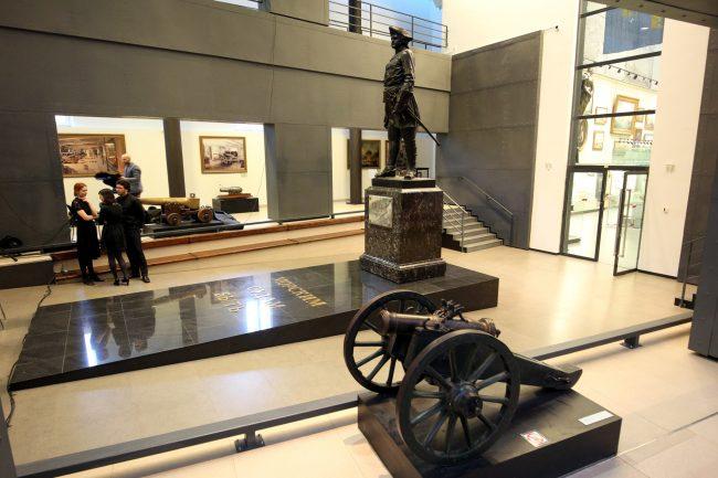 Центральный военно-морской музей ЦВММ 310 лет пушка Пётр Первый