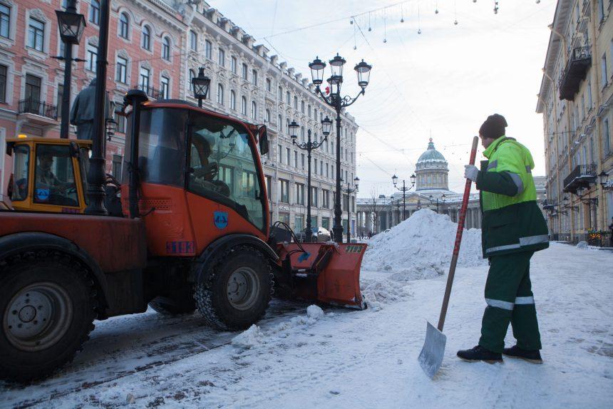 зимняя уборка снег дорожная техника дворники