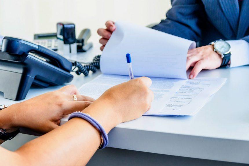 подписание договора сделка бизнес