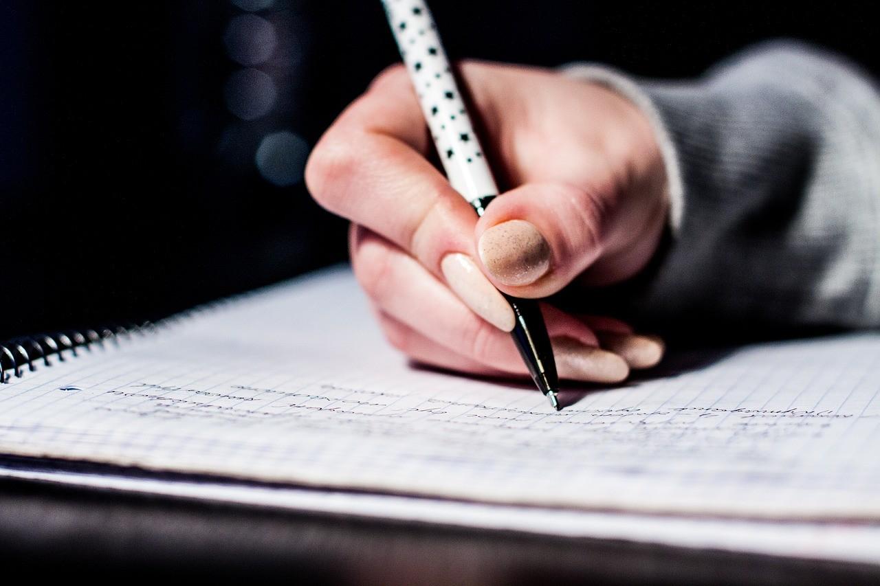 День ручного письма: почему портится почерк, и как это исправить