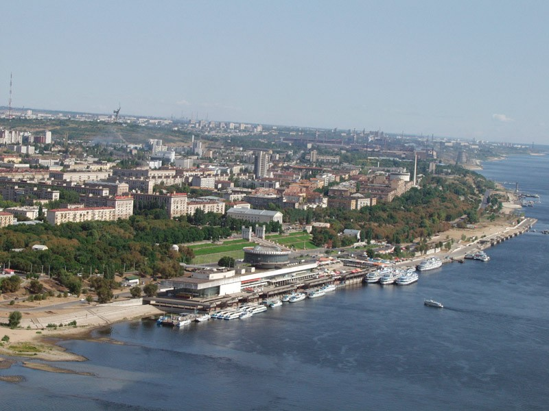 Петербург в Волгограде: военные подвиги, футбол и танцующий мост
