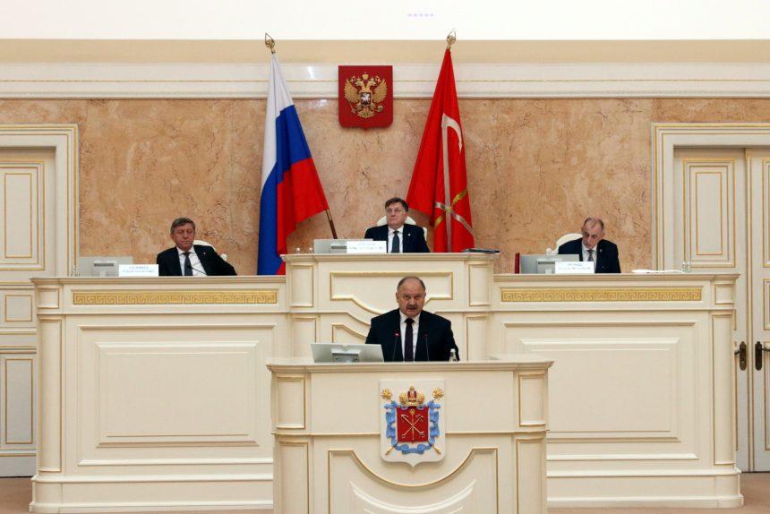 «Отрасль – как сырые патроны»: вице-губернатор Бондаренко попросил техники и денег