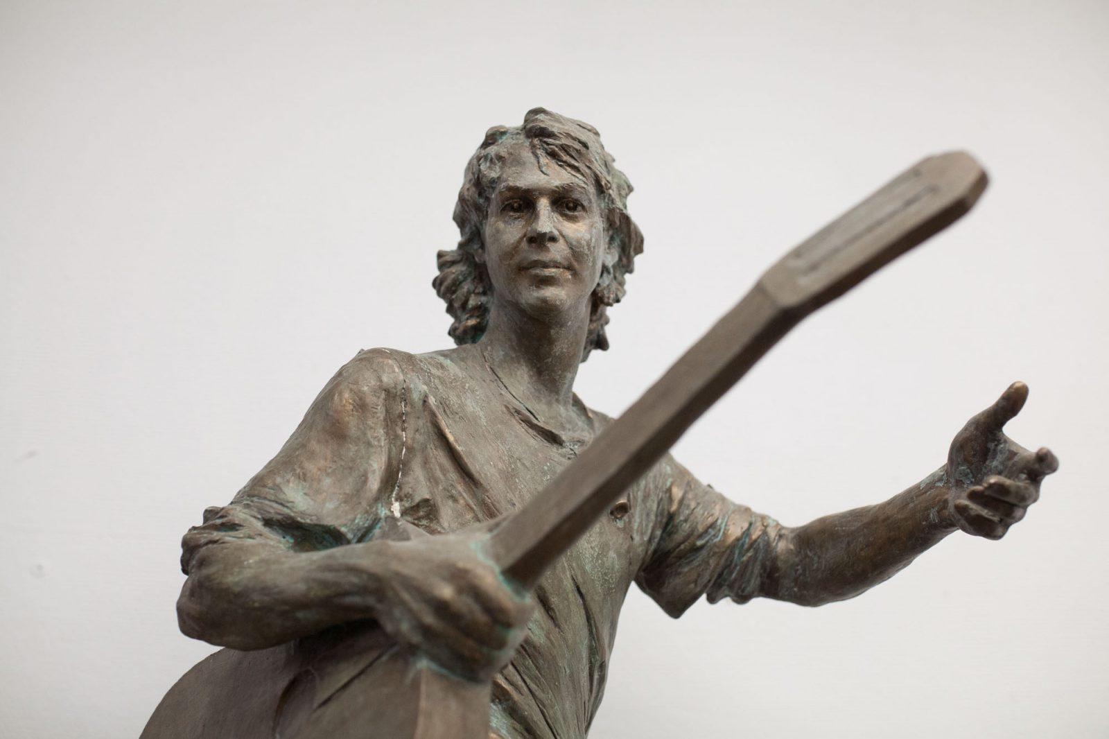 СашБаш в бронзе: как идёт работа над памятником Башлачёву