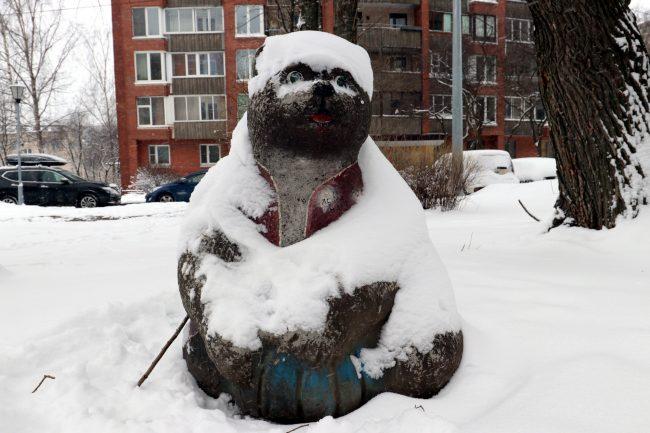 статуя Медведь