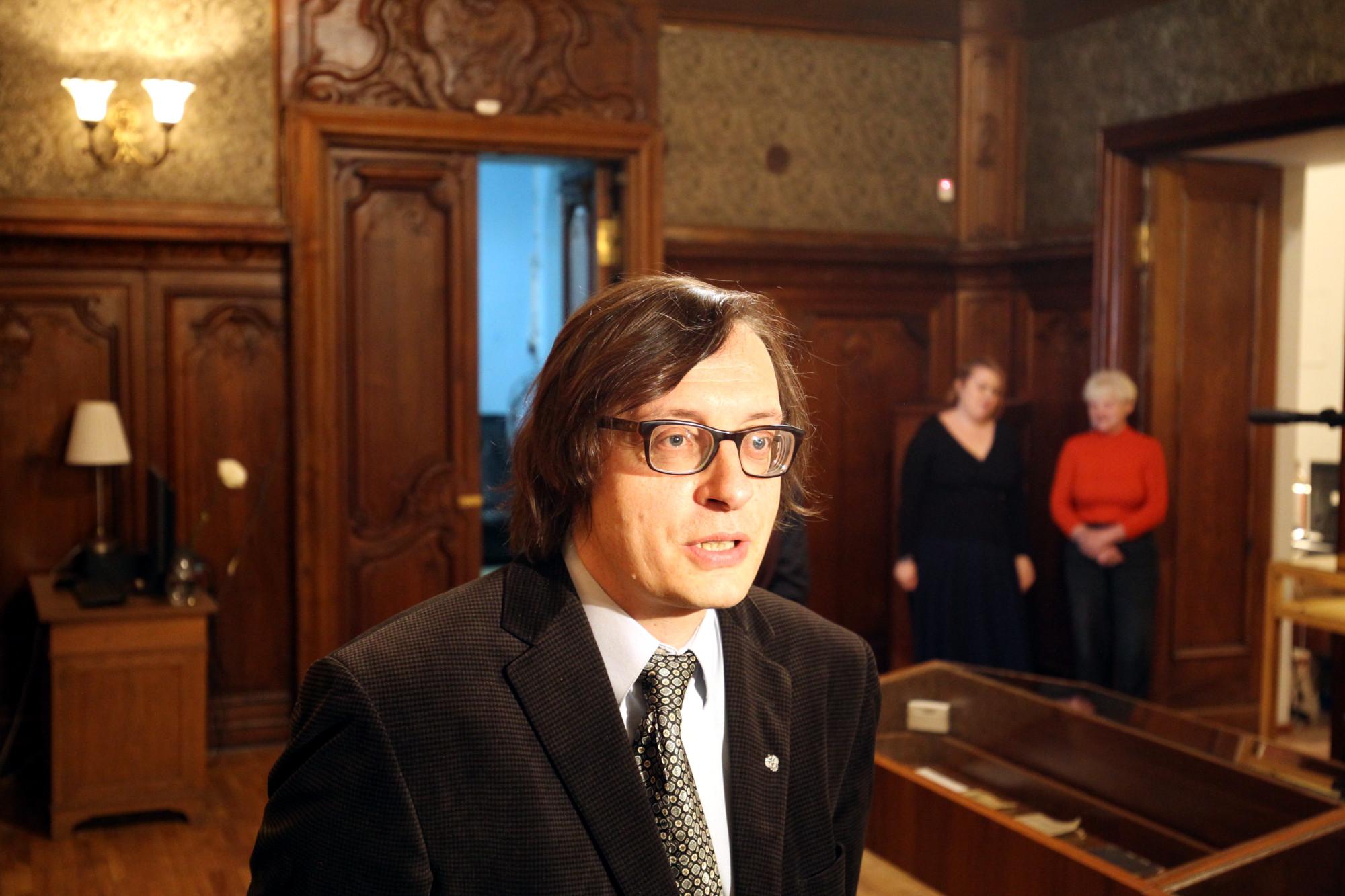 Андрей Аствацатуров