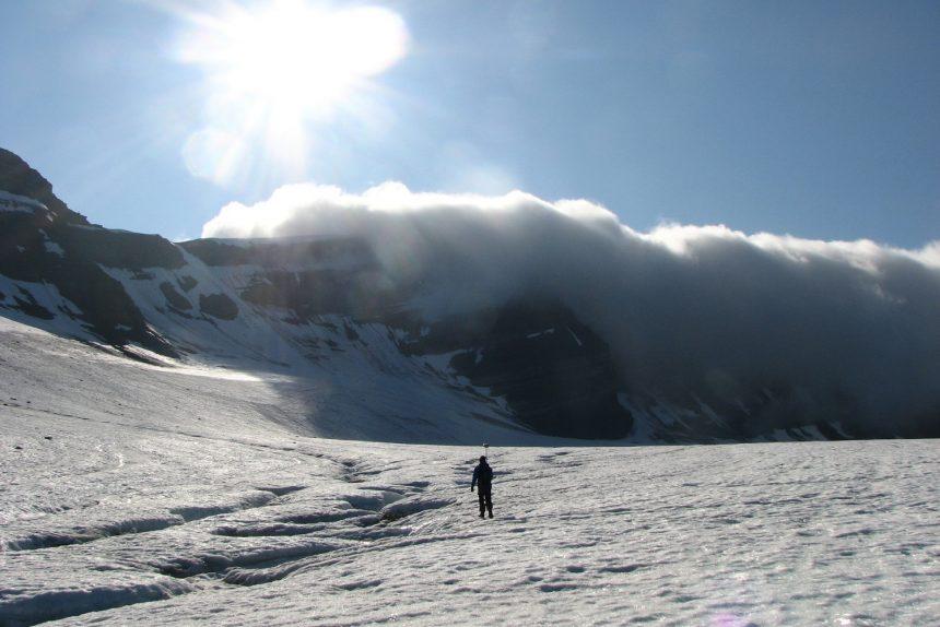 Гляциолог: «Хороший способ получить данные - выкопать яму в центральной Антарктиде»
