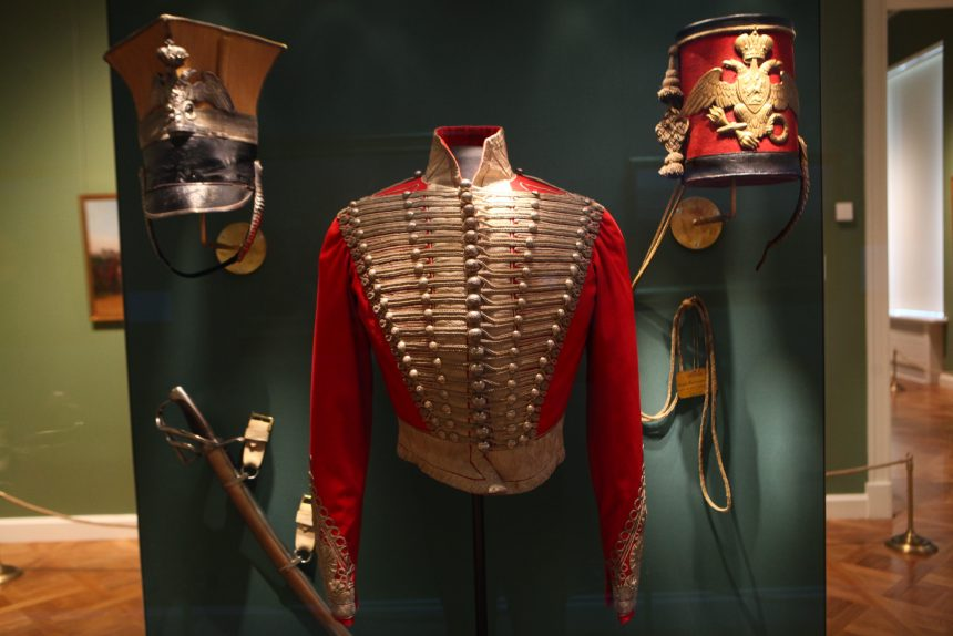 История гвардии: как полки «будили» Петербург и возводили на престол императоров