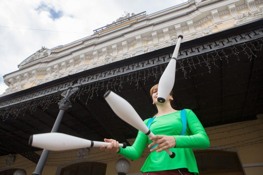 Пикеты и дискуссия о свободе: как на Фонтанке прошёл День цирка