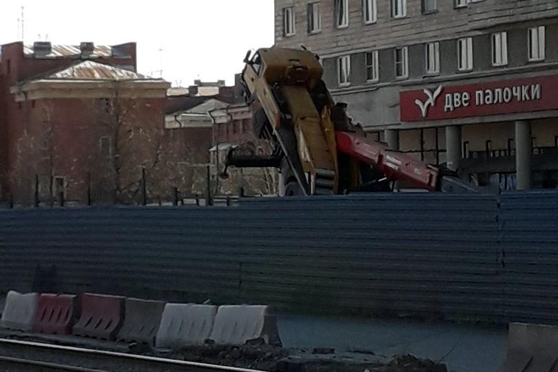 ЧП падение автокрана проспект Славы