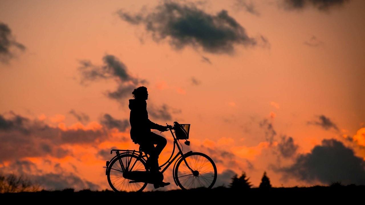 Почему нельзя разучиться ездить на велосипеде? Рассказывает медик