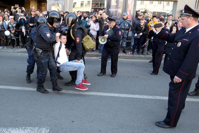 первое мая первомайская демонстрация ОМОН полиция задержания Александр Шуршев