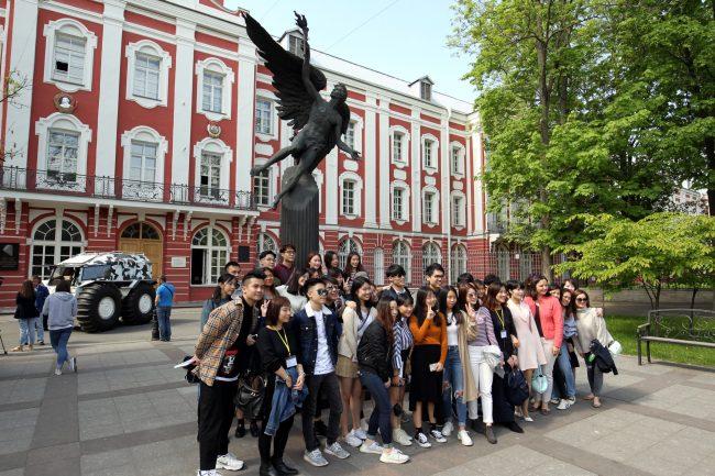 вездеход Шерп китайские туристы