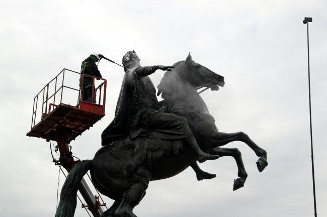 Медный всадник памятник Петру I мытьё