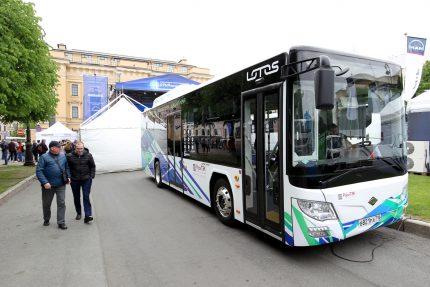 Кленовая улица автобус общественный транспорт фестиваль SpbTransportFest