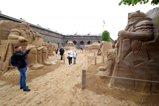 фестиваль песчаных скульптур отважные гномы
