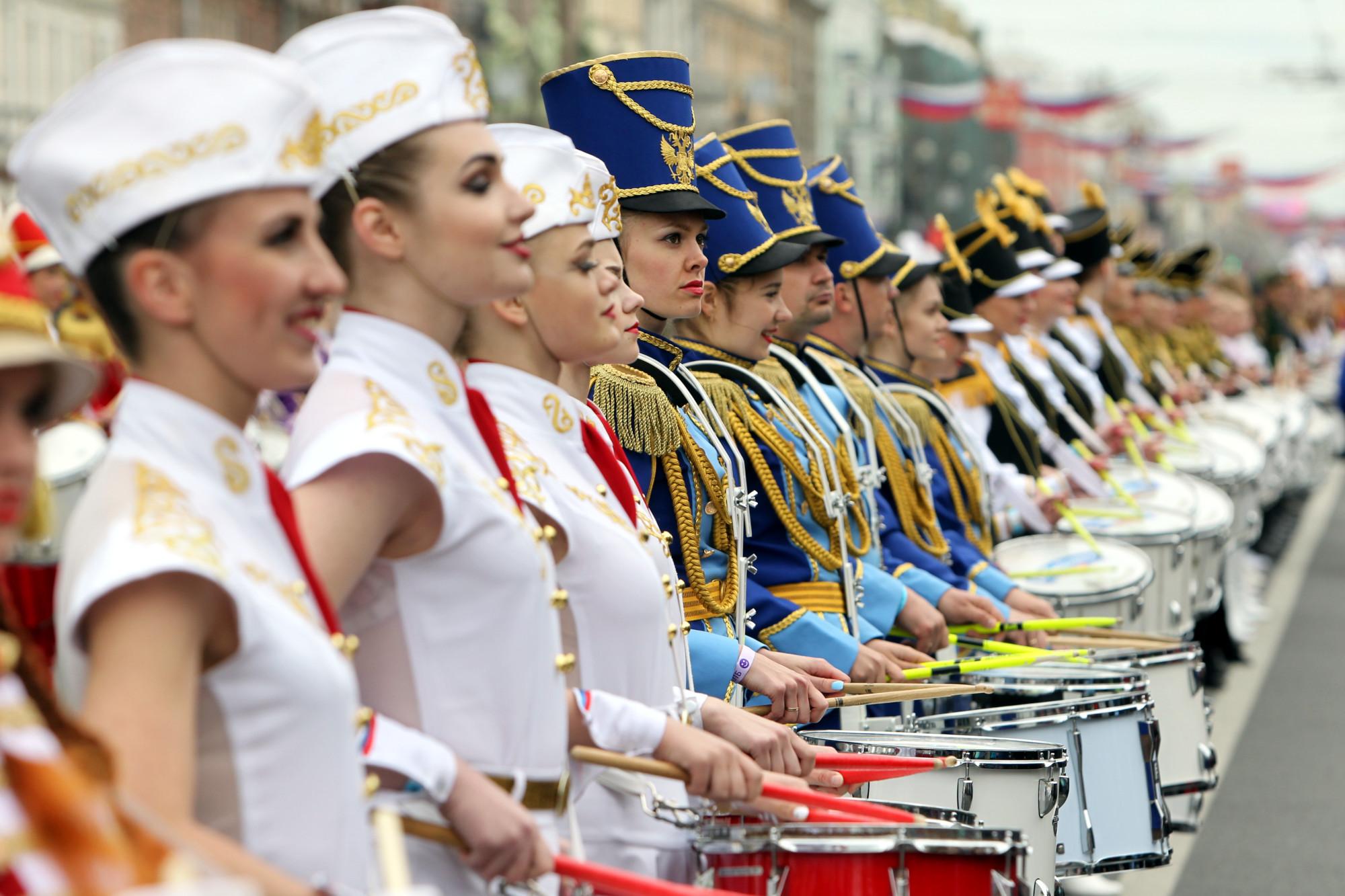 день города барабанщики Невский проспект