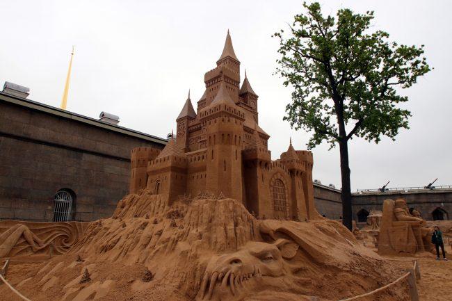 фестиваль песчаных скульптур Замок дракон