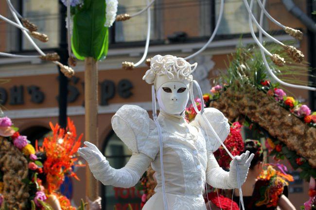 фестиваль цветов маски