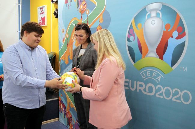 центр подготовки волонтёров чемпионат Европы по футболу 2020 Наталья Антюх Юлия Аблец
