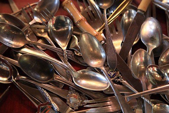 столовые приборы ложки вилки ножи
