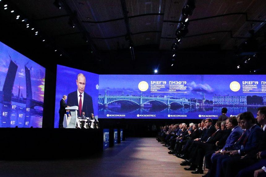Путин о Зеленском: Одно дело кого-то играть, другое дело – быть кем-то
