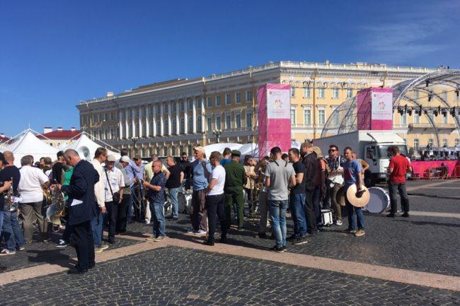 День России Эрмитаж Дворцовая площадь