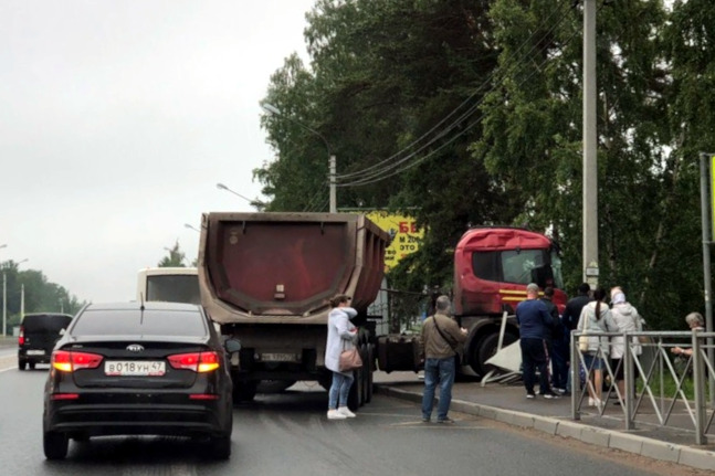 ДТП авария Сертолово остановка общественного транспорта