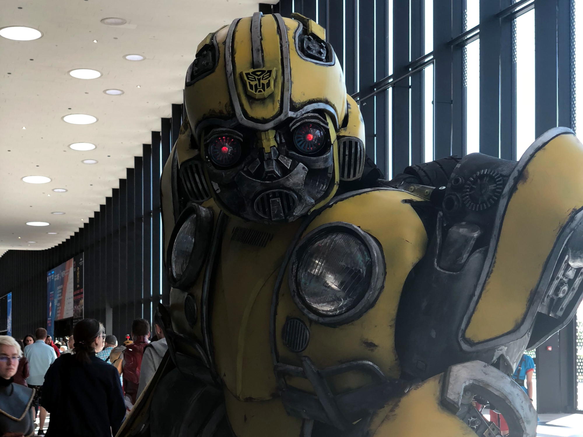 Старкон косплей костюмы фантастика робот трансформер Бамблби