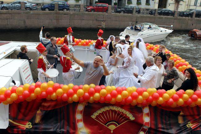 речной фестиваль прогулочный теплоход Мойка невесты