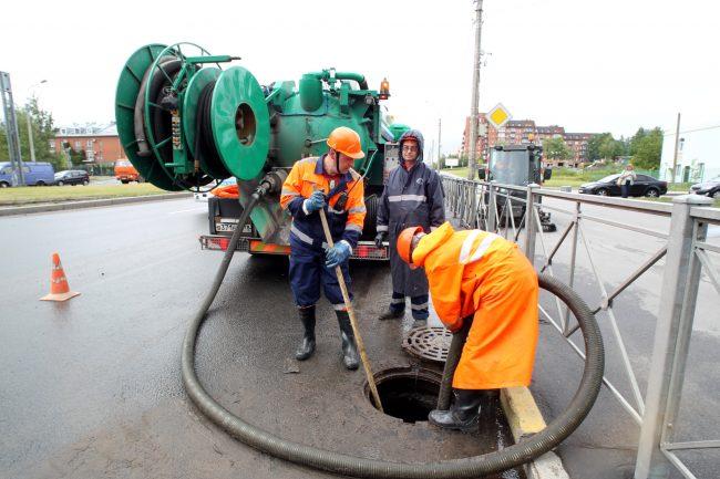 Водоканал аварийная служба ливневая канализация Парашютная улица