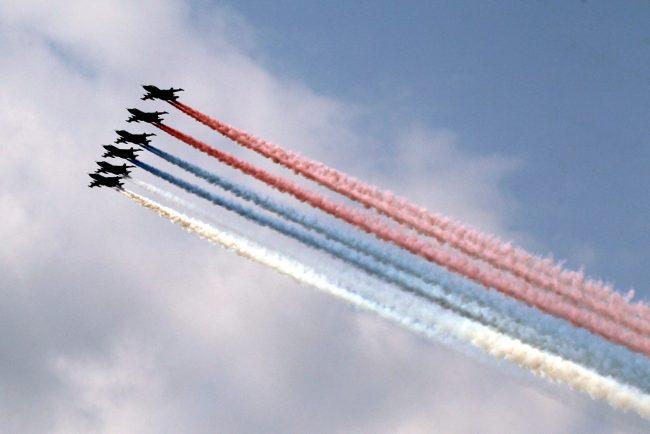 день ВМФ парад авиация самолёты флаг России триколор