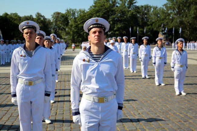 Якорная площадь Морской собор Кронштадт моряки день ВМФ