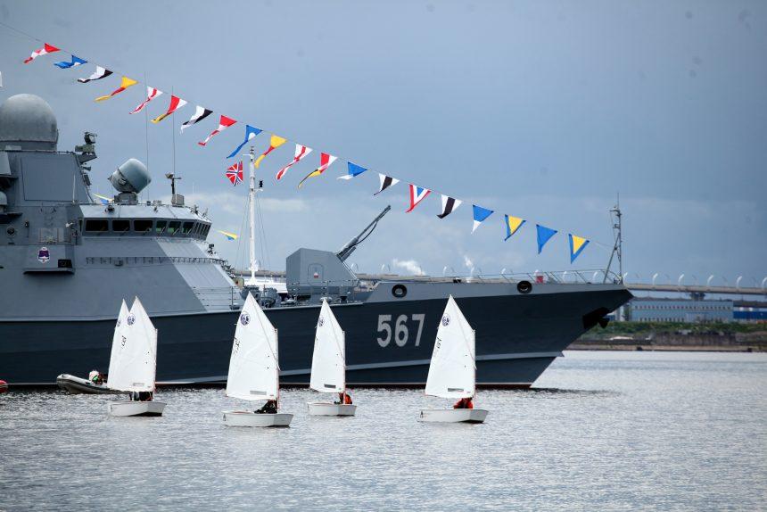 военно-морской салон регата яхты паруса