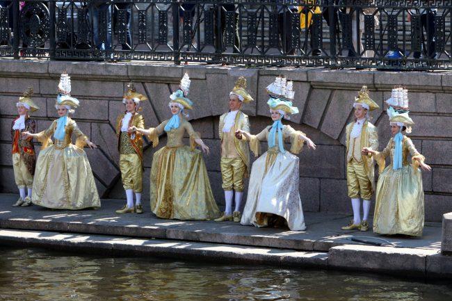 речной фестиваль театр костюмированное представление