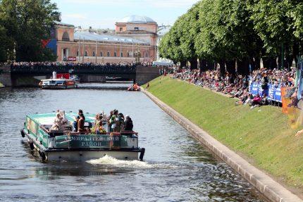 речной фестиваль водный транспорт прогулочные теплоходы Мойка 2-й Садовый мост