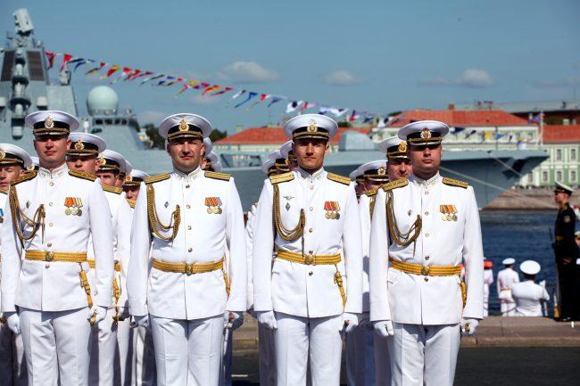 военные день ВМФ репетиция моряки офицеры