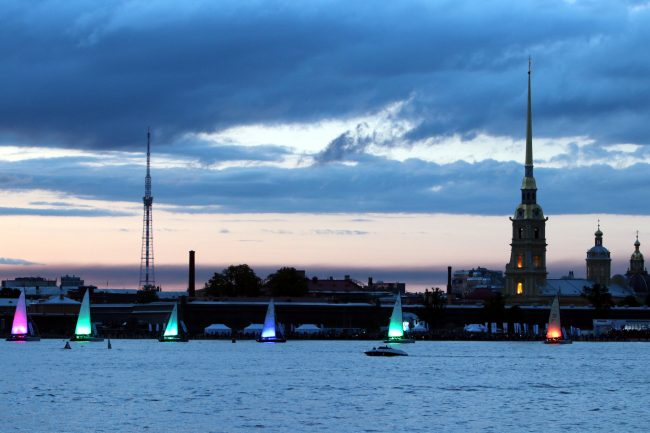 Балтийская яхтенная неделя парад парусов