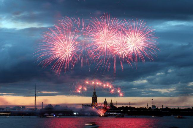 Балтийская яхтенная неделя фейерверк