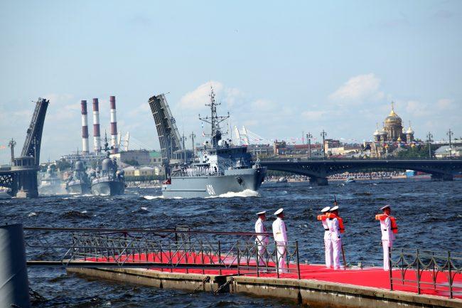 военные день ВМФ репетиция моряки офицеры тральщик Иван Антонов