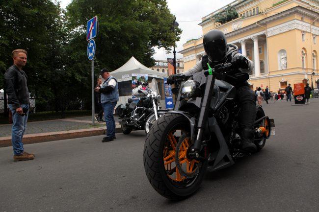 байкеры мотоциклисты фестиваль Harley Days
