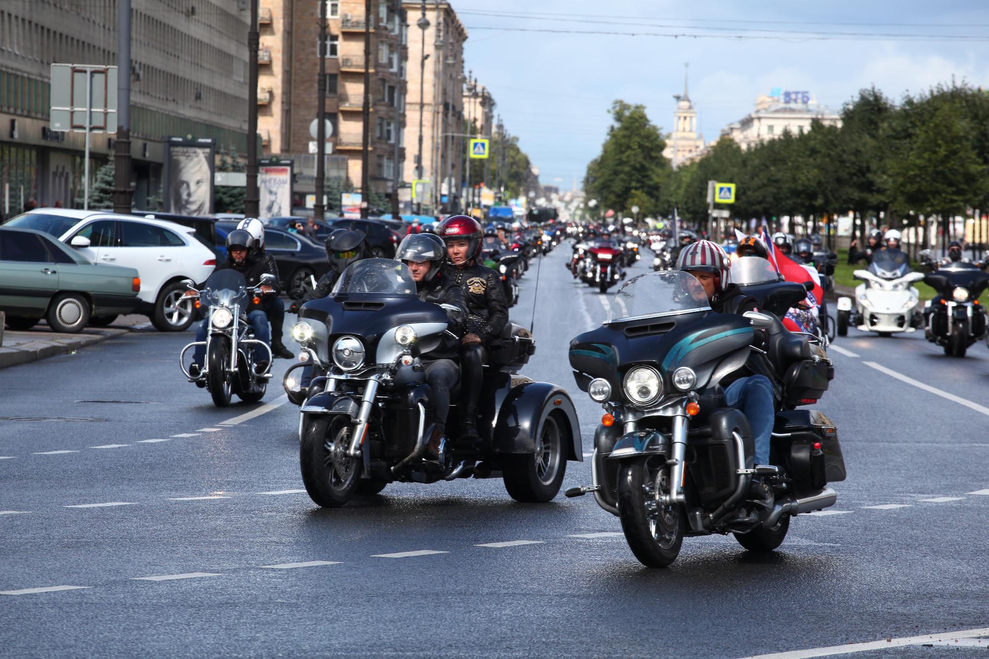 байкеры мотоциклисты фестиваль Harley Days Московский проспект