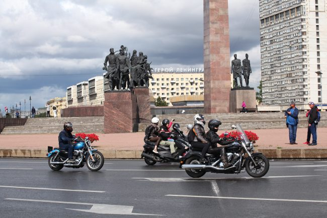 байкеры мотоциклисты фестиваль Harley Days площадь Победы