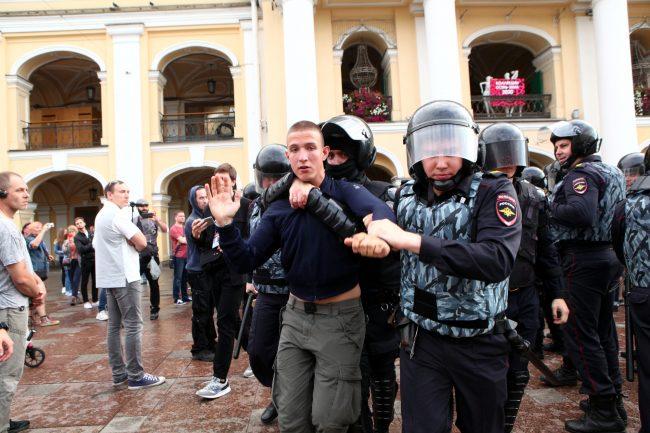 полиция омон задержание пикеты оппозиция выборы