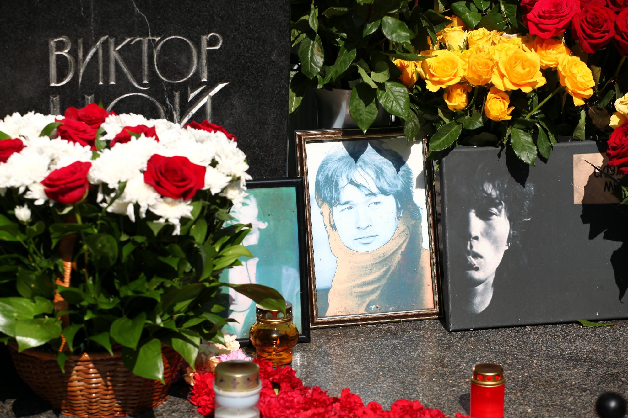 Богословское кладбище могила Виктор Цой