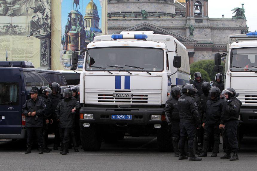 полиция росгвардия омон исаакиевская площадь