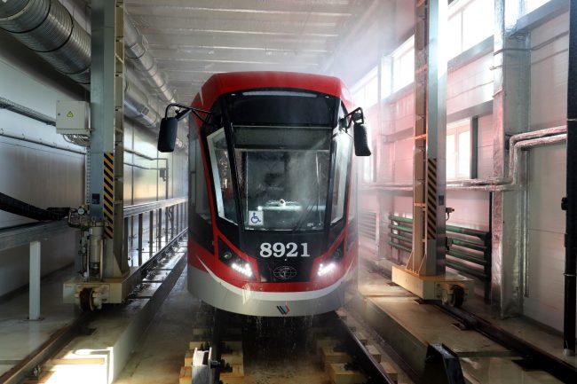 Невский завод электрического транспорта сборка трамваев производство машиностроение мойка