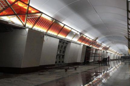 Проспект Славы метро станция