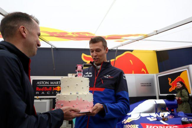 Даниил Квят гонщик автомобильный спорт